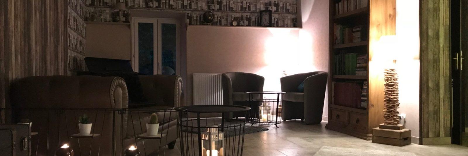 bar avec fauteuils Domaine de Vandenesse et Spa