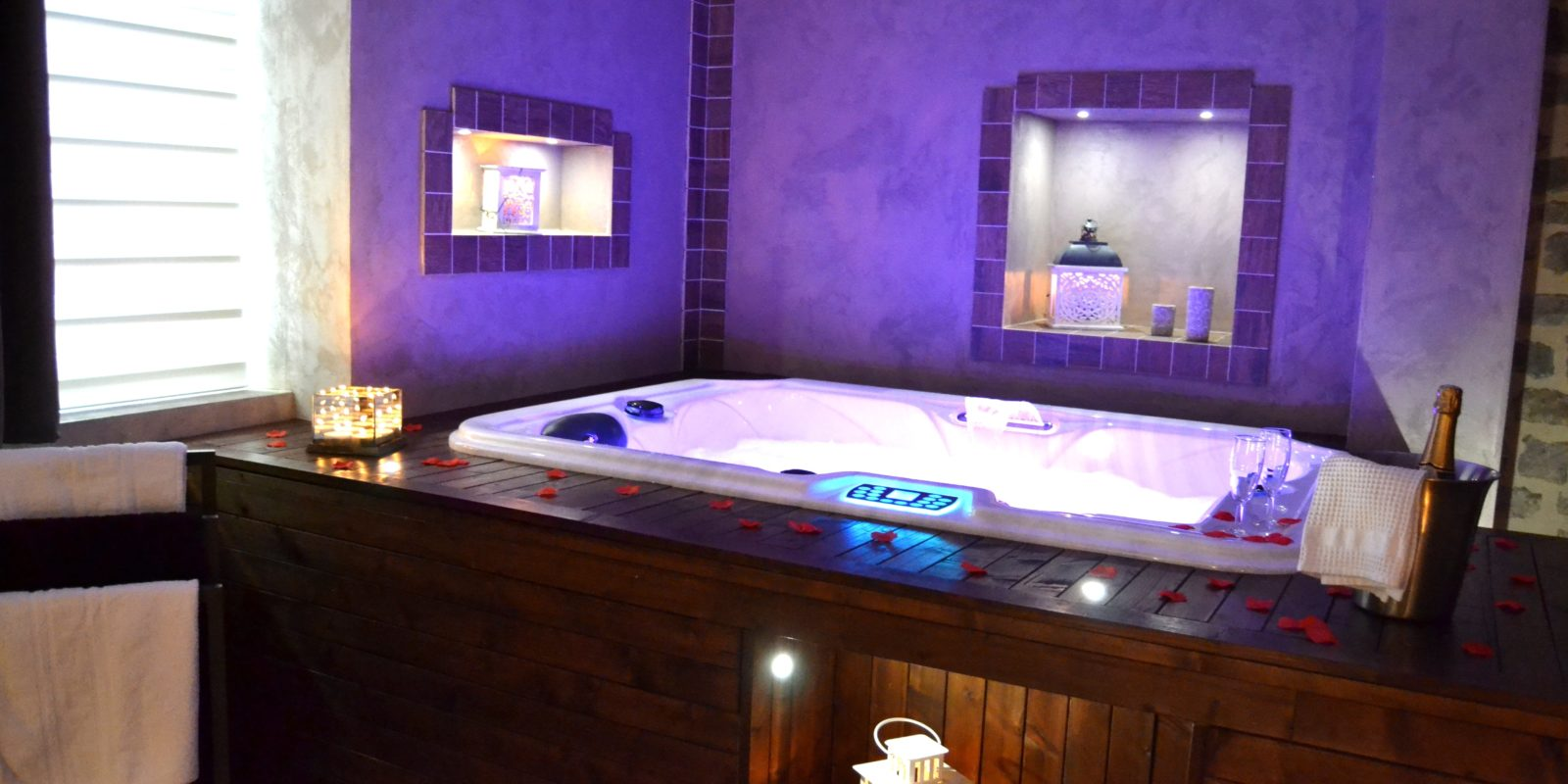 jacuzzi privatif de la suite Bacchus