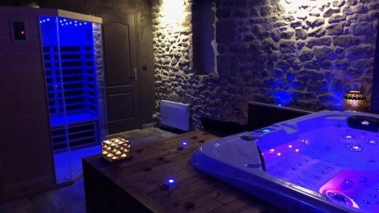 jacuzzi et sauna du Domaine de Vandenesse et Spa